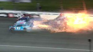 Σοκαριστικό τρακάρισμα στο NASCAR